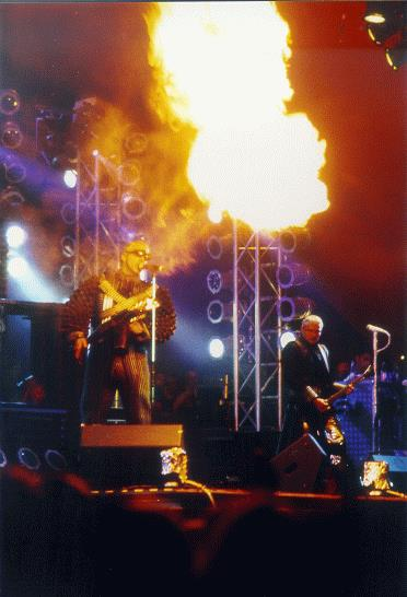 flamethrowerRammstein1998.jpg