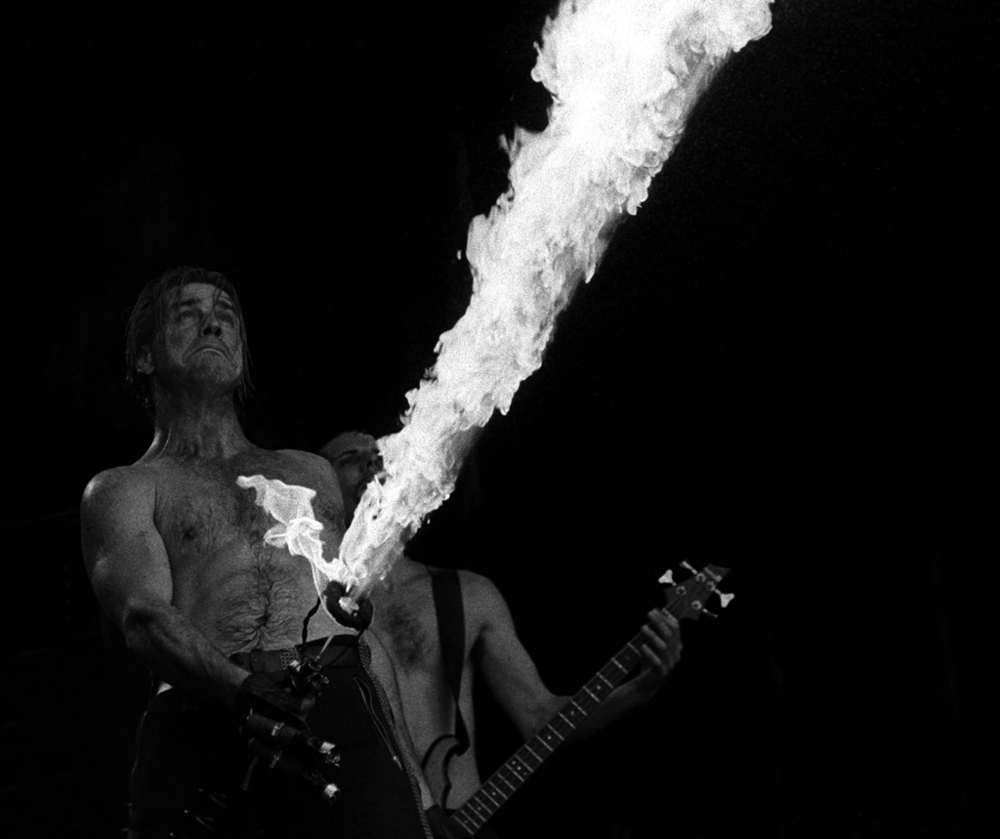 30.08.1997flamethrower.jpg